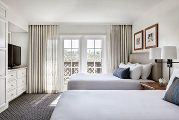 Renovated Deluxe Suite 2 Queen Beds
