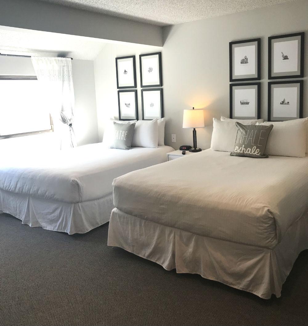 2 Bedroom 2 Bath 3 Queen beds