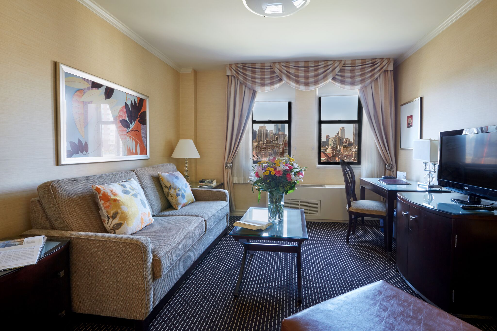 Deluxe Two Double Beds Suite