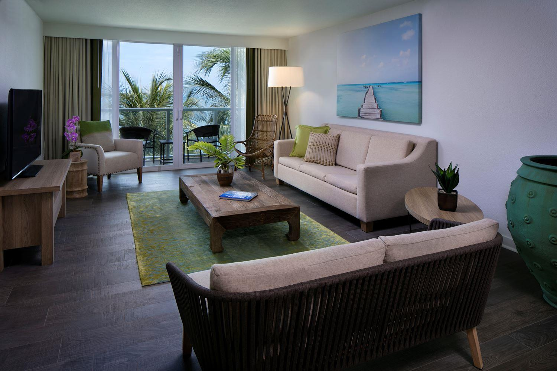 1 Bedroom Oceanfront Suite Two Queens