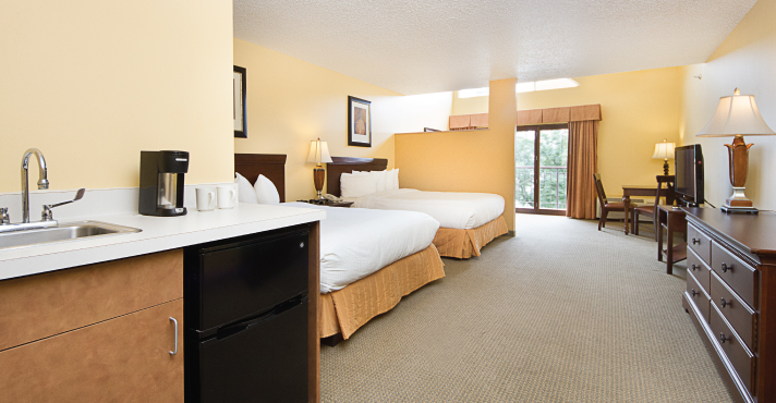 Lakeview Room with Two Queen Beds