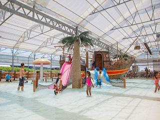 Wasserfest Famiy Package (Schlitterbahn Indoor)