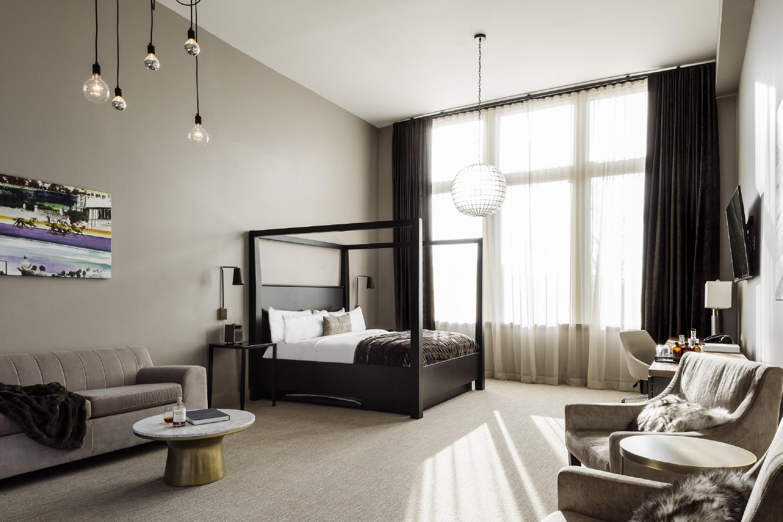 Latonia Suite