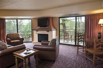 Presidential Suite w/ Fireplace
