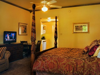 Creekside King Suite