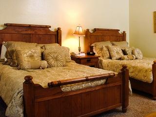Creekside Double Queen Suite