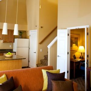2 Bedroom King Queen Suite