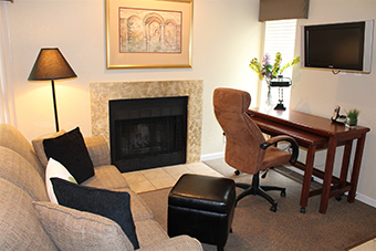 Cloverleaf Suites Kansas City Overland Park (formerly Chase Suites)