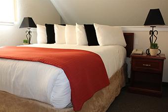 Cloverleaf Suites Kansas City Overland Park (formerly Chase Suites)
