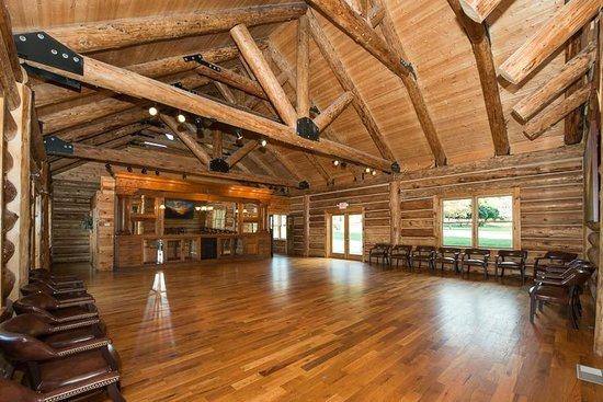 Tremont Lodge & Resort