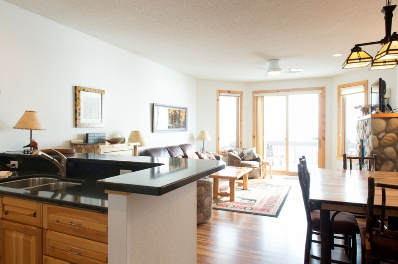 Windsong Lakefront 3 Bedroom End
