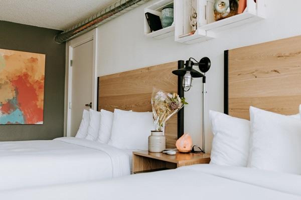 2 Queen Beds Interior
