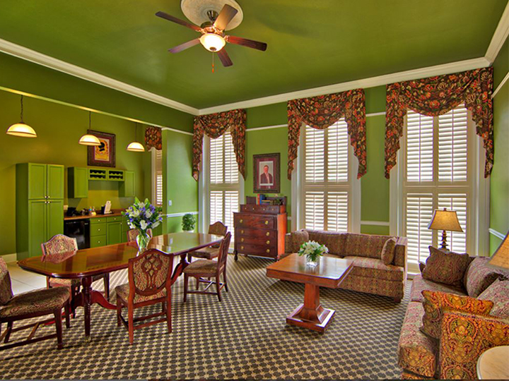 Teddy Roosevelt Luxury Suite
